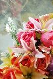Blüte nahe dem Fenster Stockfotografie