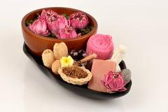 Blütenstaub Lotus, Lotus Flower und Seife, handgemachte Seifenbadekurortblume von Thailand Lizenzfreie Stockfotografie