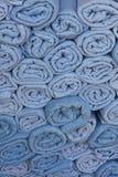 blåa rullande bunthanddukar Royaltyfri Fotografi