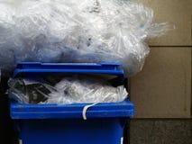 blå behållare Royaltyfria Bilder