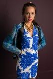 blå brunett Arkivbilder