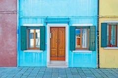 Blå fasad Arkivfoton