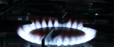 Blå flamma av en naturgas Fotografering för Bildbyråer