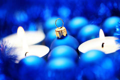 blå garnering Arkivbild