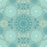 Blå sömlös modell för vägg Design för tapettygtextil med mandalas och dekorativ tappning Royaltyfri Bild