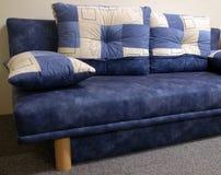 blå soffasofa Fotografering för Bildbyråer