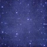 Blå stjärnklar himmelbakgrund Arkivfoton