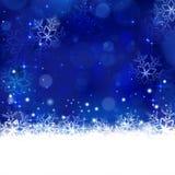 Blå vinter, julbakgrund med snöflingor, stjärnor och shi Arkivbilder