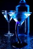 blåa exponeringsglas martini Fotografering för Bildbyråer