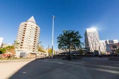 Blaak广场和办公楼的外视图 免版税库存照片
