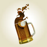 Black beer mug with splash Royalty Free Stock Images