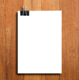 Black clip and White blank note paper Royalty Free Stock Photos