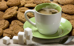 Black coffee. Sugar and oatmeal cookies Stock Photos