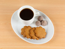 Black coffee. With brown cookies Stock Photography