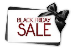 Black Friday-de verkooptekst schrijft op witte giftkaart met zwarte ribbo Royalty-vrije Stock Afbeelding