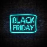 Black Friday-Neonlicht auf Backsteinmauer Lizenzfreie Stockfotografie