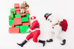 Black Friday 2016, Sankt und Schneemann, die Geschenkboxen liefern Stockfoto