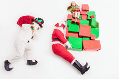 Black Friday 2016, Santa i bałwan dostarcza prezentów pudełka, Fotografia Stock