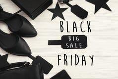 Black Friday sprzedaży teksta duży znak, minimalistic mieszkanie nieatutowy special zdjęcie stock