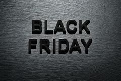 Black Friday sur le fond foncé d'ardoise Photo libre de droits