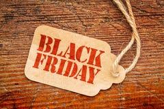 Black Friday tecken på prislapp Arkivfoto