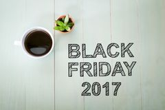 Black Friday 2015 text med en kopp kaffe Royaltyfri Fotografi