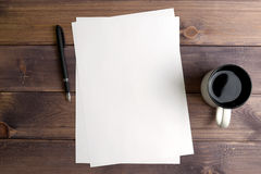Black handle, clean sheet of paper, circle Stock Photos