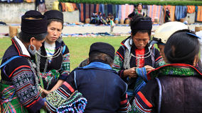 Black Hmong's women at Sapa city Stock Image