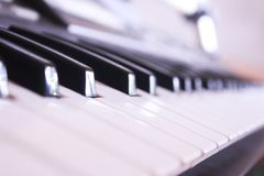 black ivory keys piano white Стоковые Изображения RF