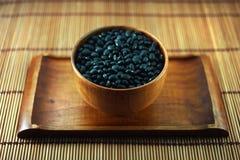 black miskę drewna fasoli Obrazy Stock