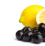 Black olives and lemon Royalty Free Stock Images