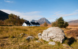 Black rock cottage. In the scottish highlands Stock Photos