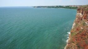 Black Sea golf nära udde Kaliakr i Bulgarien stock video