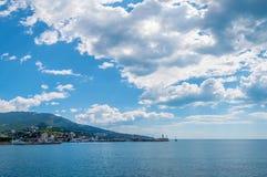 Black Sea liggande. Yalta Crimea, Ukraina arkivbild