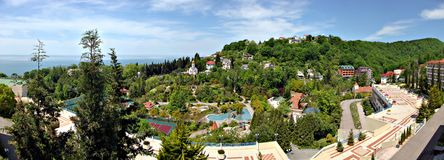 Black Sea seglar utmed kusten arkivfoton