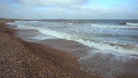 Black Sea strand i vintertid stock video
