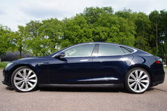 Black Tesla Motors Model S - Sideview Stock Photography