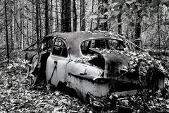 Black and White Abandoned Car Royalty Free Stock Photos