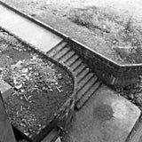 Black&white bild av en trappuppgång från över Arkivfoton