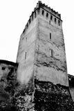 Black&White Iglesia sajona medieval fortificada en Codlea, Transilvania Imagen de archivo libre de regalías