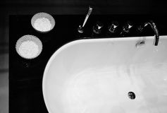 Black and white modern bath Royalty Free Stock Photography