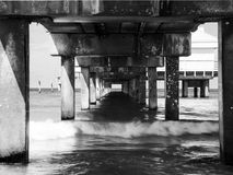Black White Pier supports Royalty Free Stock Photos