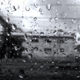 Black&White väder, regn, bästa fotografi fotografering för bildbyråer