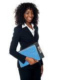 Black woman holding clipboard Royalty Free Stock Images