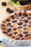 Blackberry clafoutis Royalty Free Stock Photography