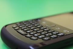 Blackberry svartmobil fotografering för bildbyråer