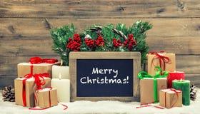 Blackboa brûlant de boîte-cadeau de bougies de décoration de vintage de Noël Photo libre de droits