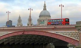 Blackfriars桥梁,伦敦 免版税库存照片