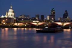 blackfriars most przerzucają Paul st. obrazy royalty free