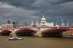 Blackfriars överbryggar, London Arkivfoto